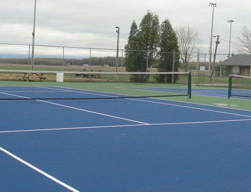 Tennis, pétanque et jardin éducatif